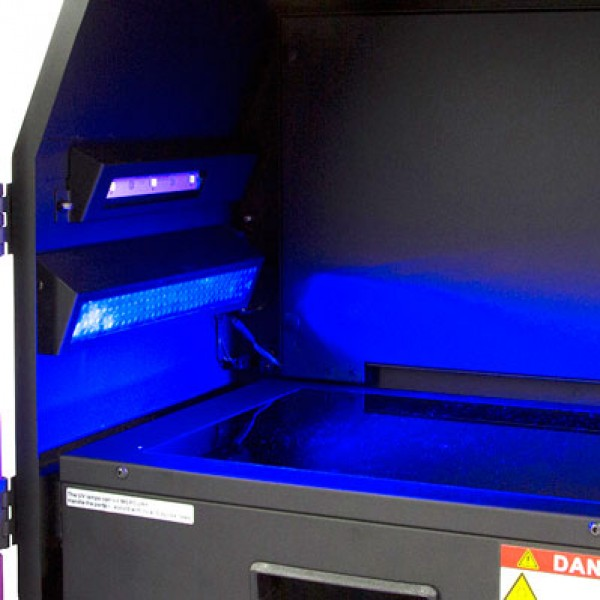 Blue light – LED epi- illumination module allows visualisation of some stains with better clarity and without DNA damage – e.g. runSAFE